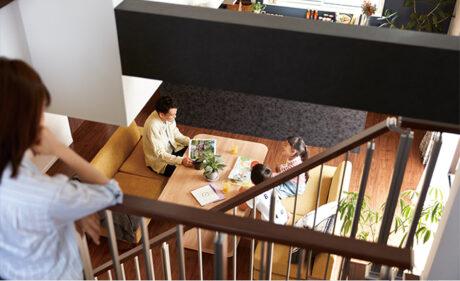 構造の強さとダイナミックな空間設計を<br>実現した耐震等級3のスキップフロア住宅。